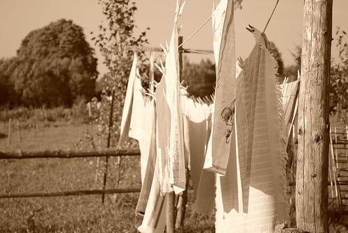 Niños, manchas y detergentes que no lavan