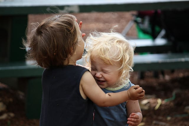 Hermanos felices
