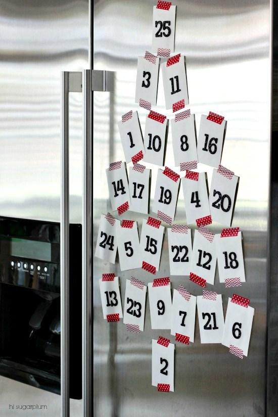 Calendario de Adviento con notitas en el frigorífico