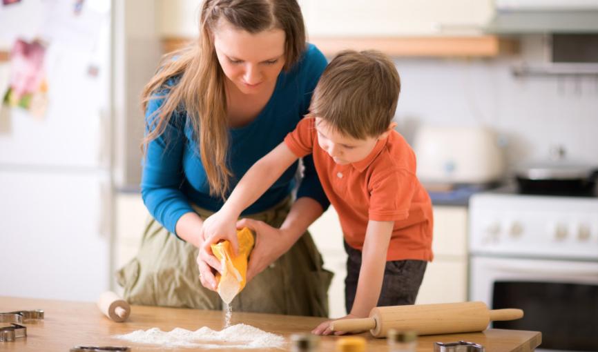 Cocinar con niños: divertido y beneficioso