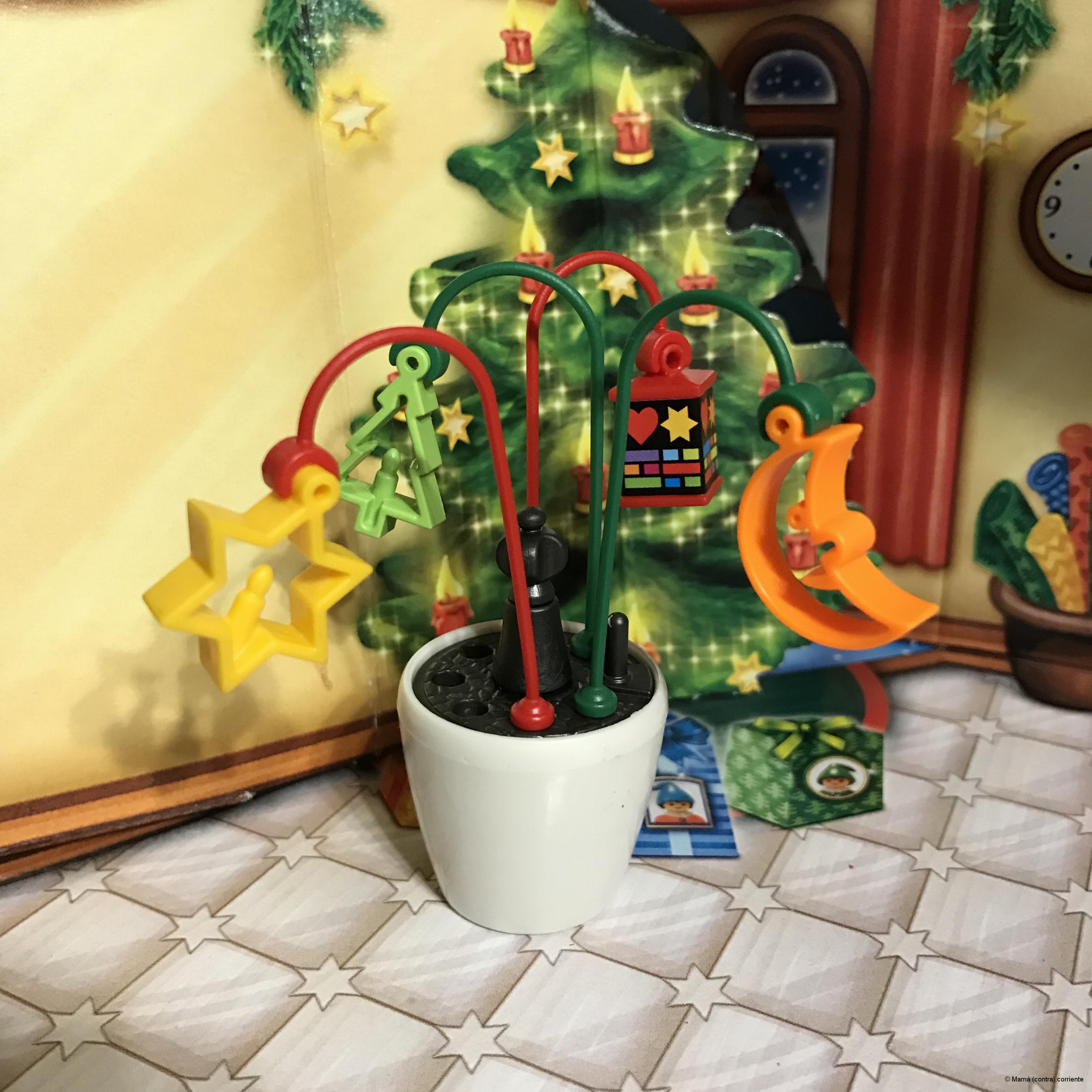 """Calendario de Adviento Playmobil """"Papá Noel Centro de Embalaje"""" - figura día 10"""