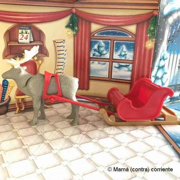 """Calendario de Adviento Playmobil """"Papá Noel Centro de Embalaje"""" - figura día 6 y día 7"""