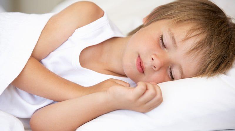 Niño 5 años dormir la noche entera