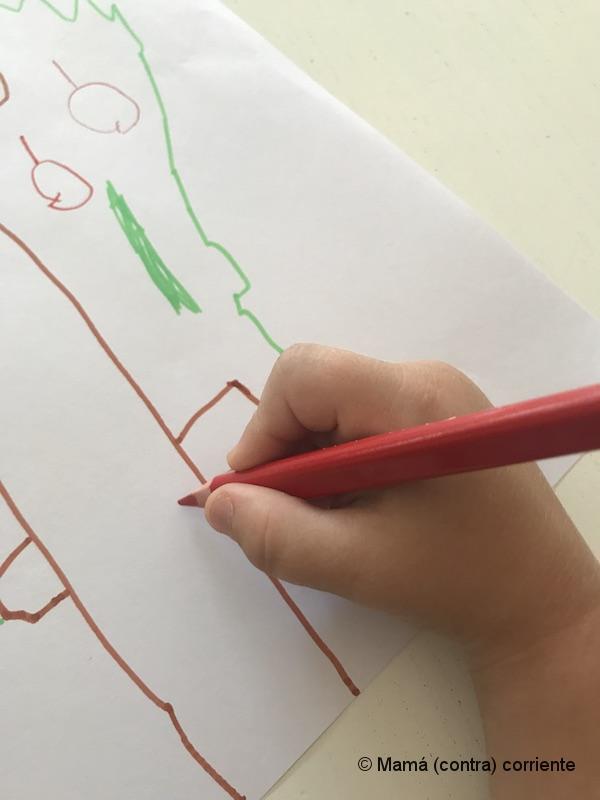 Pintando con lápices triangulares BIC Kids