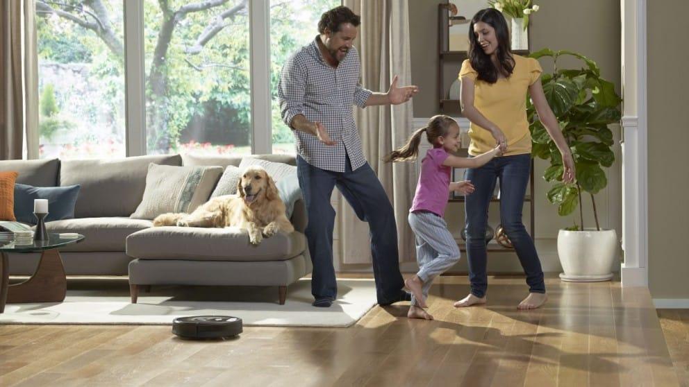 Bebés y mascotas: ¿es posible una buena limpieza en casa?