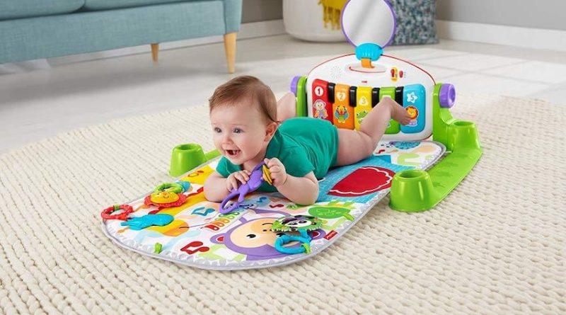 Fisher Price Bebé: probamos el gimnasio-piano pataditas y el móvil ositos  voladores