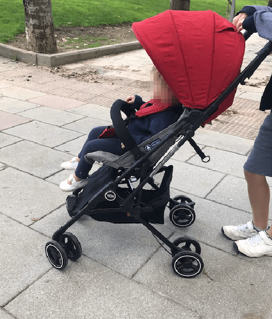 Ioda silla de paseo de Olmitos con bebé de 16 meses